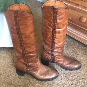 Boots Frye